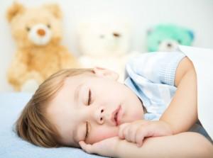niedotlenienie organizmu, niedrożność nosa, częste infekcje górnych dróg oddechowych