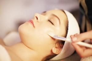 uszkodzenia słoneczne, medycyna estetyczna szczecin, starzenie się skóry, drobne zmarszczki, tłusta skóra, zaskórniki